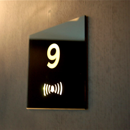 Biển chỉ dẫn khách sạn 13