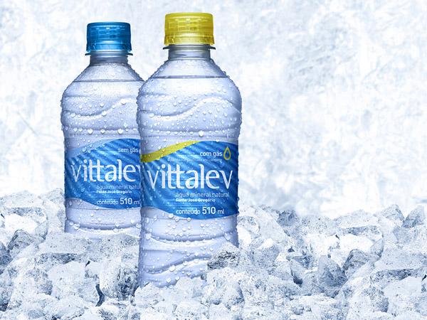 Thiết kế tem nhãn nhựa cho vỏ chai